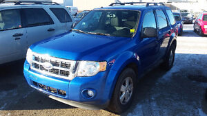 FORD ESCAPE SUV CROSSOVER  ASK MONA ABOUT A FREE CARSTARTER Strathcona County Edmonton Area image 3