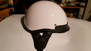 Mint Emmo scooter/moped DOT helmet. Size L 59-60 CM. Worn few ti