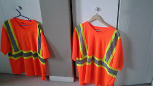 2 mens work t-shirts size xl