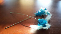 BLUE DYED FEATHERS ON A STICK (2)