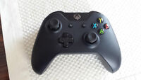 XBOX One Controller pratically new + AA battery