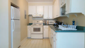 Furnished room near Barrington and Inglis, perfect for student