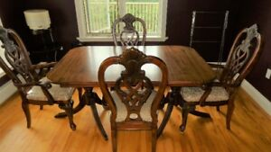 Antique style dining room chairs x4 Chippendale