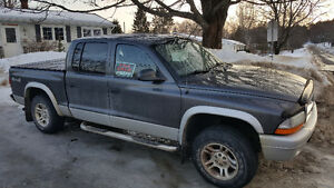 2004 Dodge Dakota SLT Pickup Truck