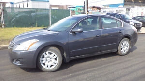 12 Altima  - LOADED - NEW  TIRES - A/C STARTER - ONLY 80,000K