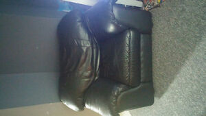 Black leather couch and loveseat Cambridge Kitchener Area image 2