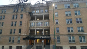 Bachelor apartment for sublet May 1st, $570/month