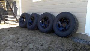 4 pneus hiver monté sur roues