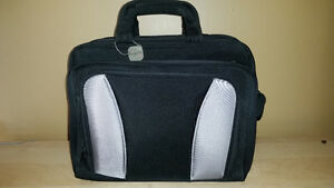 Bugatti Laptop /Briefcase Like New! Windsor Region Ontario image 1