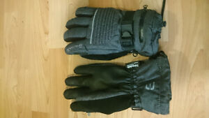 Outbound Women's small snow gloves
