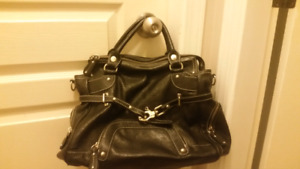 Purse with Removable Strap