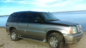 $2500 Needs work not running... 02 Cadillac Escalade AWD.loaded.