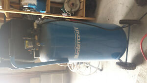 Mastercraft 20 gallon air compressor