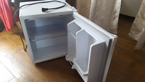 Mini Fridge, clean, great condition!