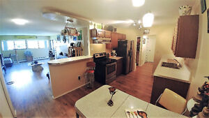 Top Floor 2 bed, 2 bath condo Open house Sun from 2 to 4