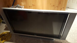 Sony rear projection TV 50' KDS-R50XBR1