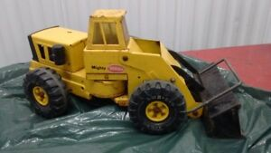 "1960s Old Mighty Tonka Front End Loader Steel 22"" Yellow XMB-975"