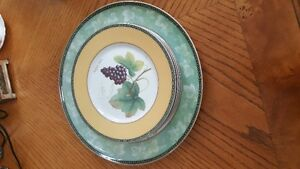 Beautiful vintage Art Deco English pottery oval plate by Wood & West Island Greater Montréal image 1