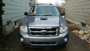 2008 Ford Escape XLT 4wd 3l V6 142,280km
