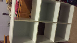 White 6 cube shelf and a 3 cube bench