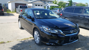 2015 Honda accord  only 28000km.  Only  $ 18500