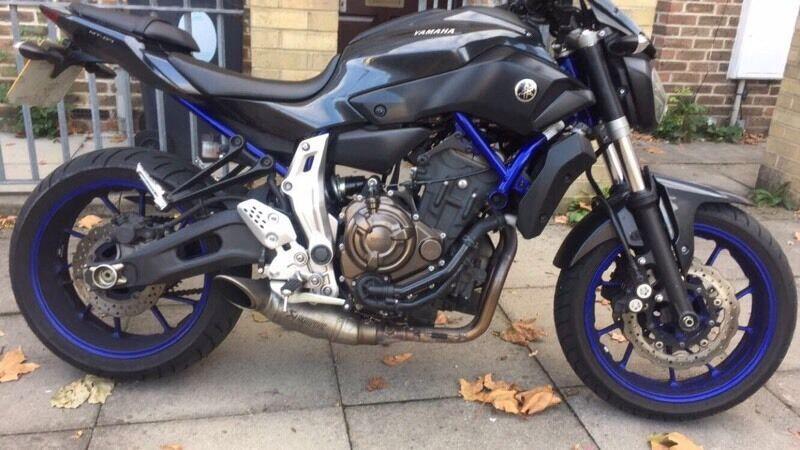 yamaha mt 07 2014 with full akrapovic exhaust mt07 fsh. Black Bedroom Furniture Sets. Home Design Ideas