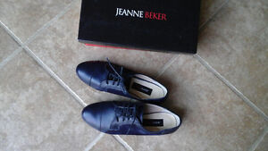 Brand new in box Jeanne Beaker leather shoes 7.5
