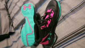 Girls basketball shoes (size ladies 7)