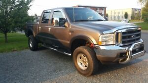 2004 Ford F-350 larriat Camionnette