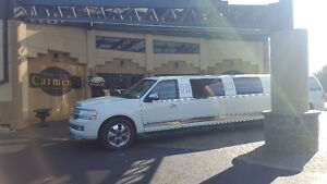 DIVINE LIMO PROM SPECIAL! HURRY DATES ARE GOING FAST!