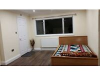 AN IMMACULATE TOP FLOOR STUDIO APARTMENT LOCATED WITHIN WALKING DISTANCE TO HOUNSLOW RAIL STN