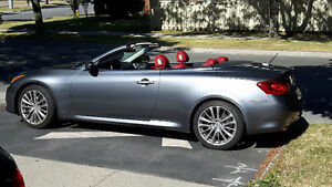 2015 convertible Q60 grey on red-FREE WINTER TIRES ON ALLOY RIMS
