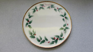Large MIKASA Bone China Christmas Cake Plate