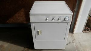 Frigidaire appareils lectrom nagers dans lanaudi re for Liquidation electromenager lanaudiere