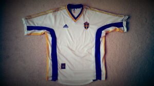 Vintage Adidas '98-'00 Worldcup Soccer Jersey's (Large)