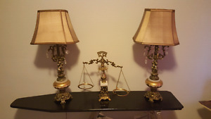 Set of gold gild lamps with scale