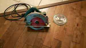 Makita 7-1/4 Circular Saw + Extra Blade London Ontario image 1