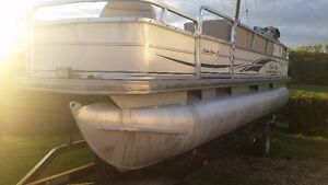 suntracker 21ft pontoon