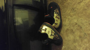 Size 6 toddler DC shoes