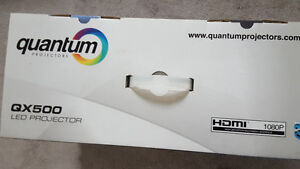 QUANTUM   Q×500 LED PROJECTOR NEVER USED BRAND NEW