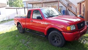 camion pickup 2001 Ford Ranger (negociable)