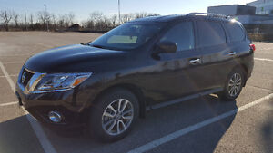 2015 Nissan Pathfinder SV - VERY CLEAN / NO ACCIDENT