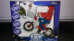 E.T. AND ELLIOT ON BIKE RADIO CONTROLLED BRAND NEW