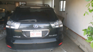 Lexus 400h for parts or can be fixed to drive