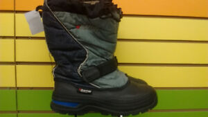 (306A) Boy's winter boots Baffin Size 3Youth