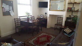 Furnished, Clean Houseshare 100mb wifi, Looking for sociable flatmates