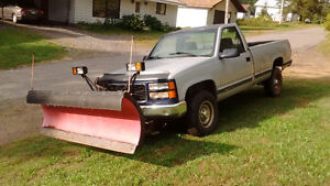 1999 GMC C/K 2500 Pickup Truck with Western Plow