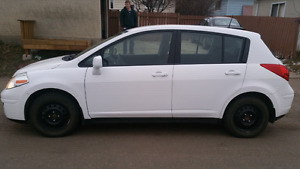 Great car with 2 sets of brand new tires!!