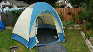 tent Northern Escape 2 room tent 12 x 11 or best offer