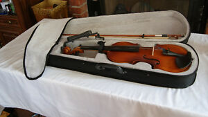 FULL SIZE STUDENT VIOLIN BRAND NEW